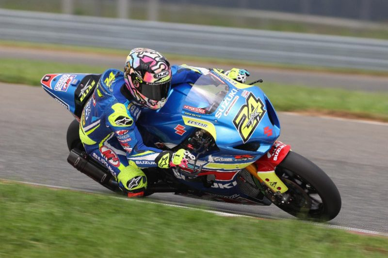 Toni Elias (24) was back on the podium in race 1 on his GSX-R1000 Superbike